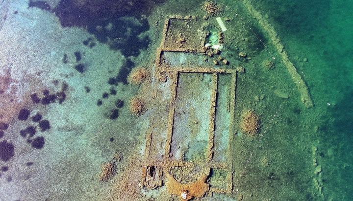 Na dne jazera v Turecku objavili 1 500 rokov starý chrám