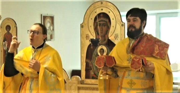 Bohoslužby v posunkovej reči v pravoslávnom chráme centra pre zdravotne postihnuté deti