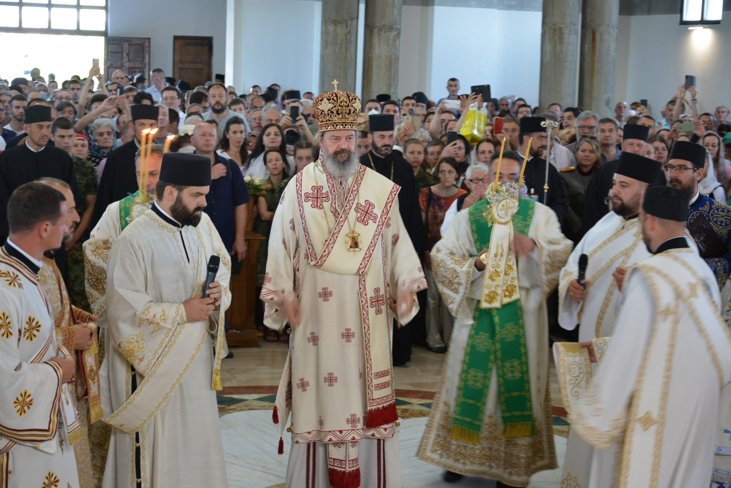 Intronizácia nového valjevského biskupa Isichija